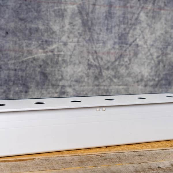 Harvy 6 Hydroponic System by Nelson Garden with Plugs (Basil/Sallad), Baskets, and Fertilizer| Harvy 6 Hydroponisk Odling med Pluggar (Basilika/Sallad), Korgar och Gödning / Näring från Nelson GardenCopyright © Kristian Adolfsson / adolfsson.photo