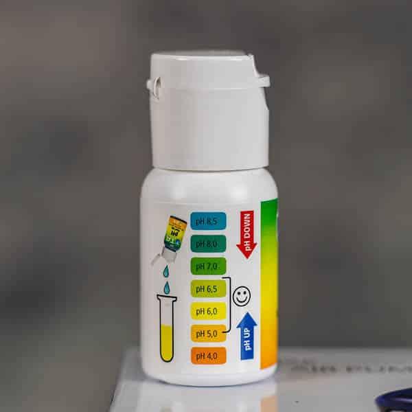 pH Test Kit 4.0 to 8.5 by TA (Terra Aquatica) | GrowZone.seCopyright © Kristian Adolfsson / adolfsson.photo