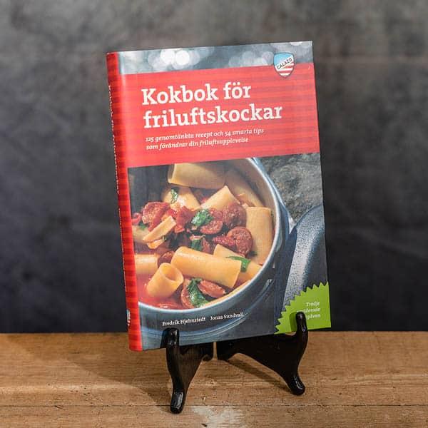 Kokbok för Friluftskockar | Cookbook for Outdoor Chefs av Fredrik Hjelmstedt och Jonas Sundvall, 3:e rev. upplagan, Calazo förlag | Publisher (9789188779779)